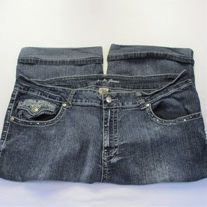 Apollo Jeans Cropped Cuffed Shorts Womens 23-24W